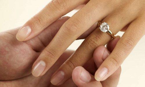 La tradizione dell'anello di fidanzamento
