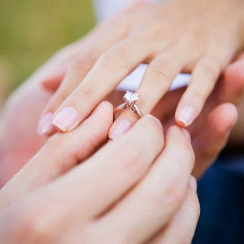 Consigli per scegliere l'anello di fidanzamento